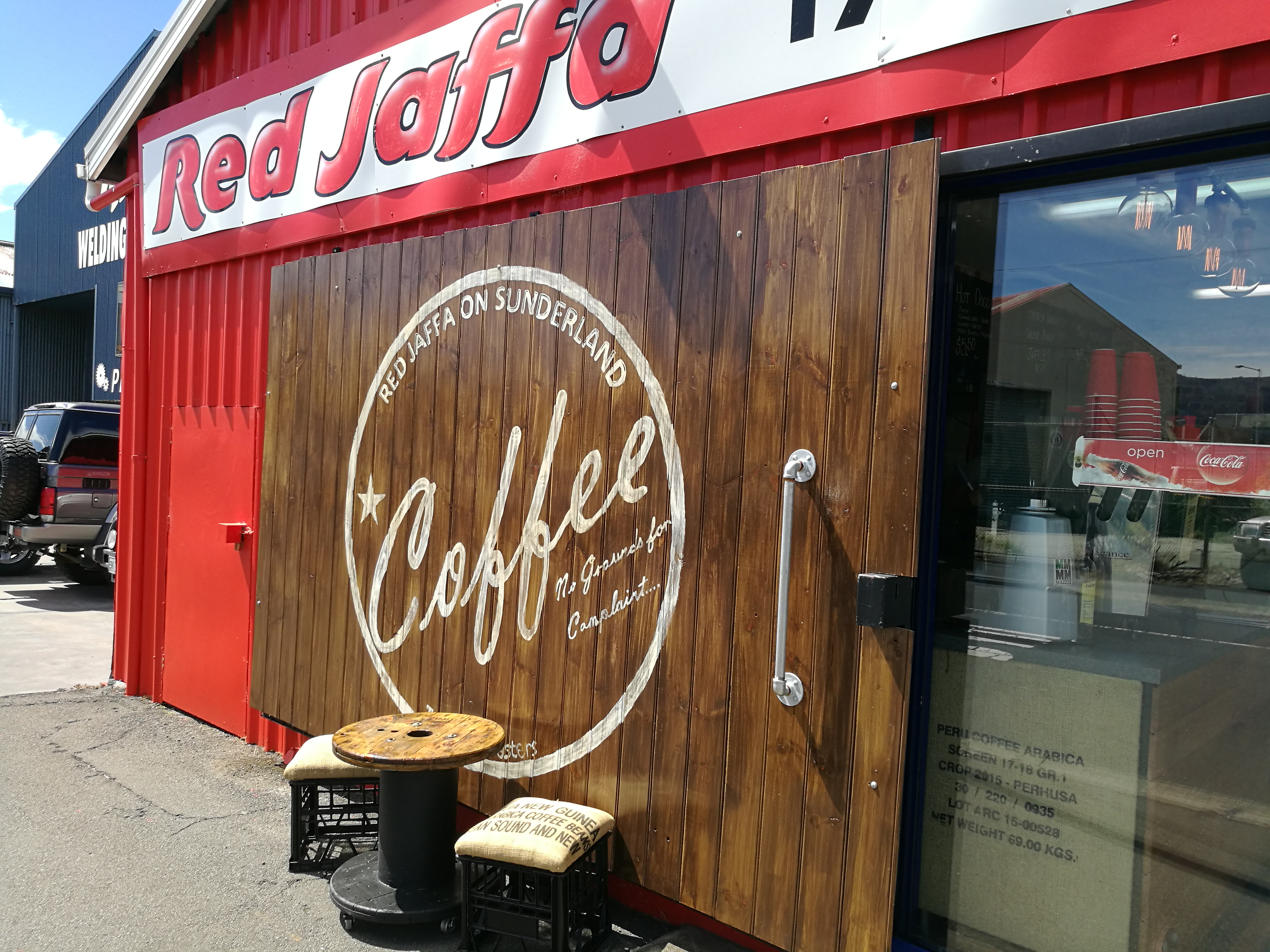 COFFEE TO GO – RED JAFFA ON SUNDERLAND STREET
